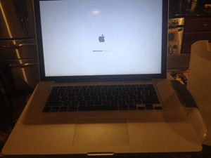 MacBook Pro 15 i7 500gb hard drive 4gb ram 2.6ghz for Sale in Glen Burnie, MD