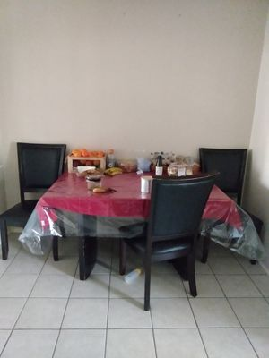 Kitchen table with 4 chairs for Sale in Palmdale, CA