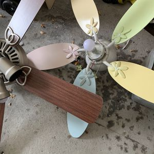 Ceiling fans for Sale in Encinal, TX