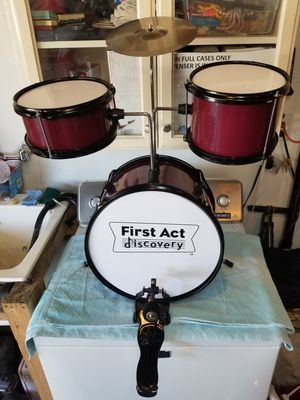 First Act Discovery Kids Drum Set for Sale in La Mirada, CA