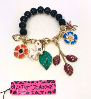 """Betsey Johnson """"A WOODLAND 🦌 WONDERLAND!"""" Beautiful woodland themed stretchy slip on charms bracelet NEW! for Sale in Carrollton, TX"""