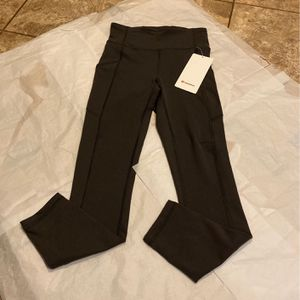 "NWT Lululemon Leggings Size 4 Invigorate 25"" Grey for Sale in Anaheim, CA"