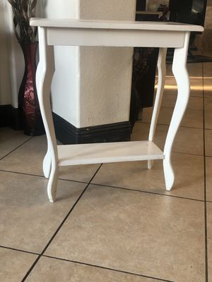 Home decor table for Sale in Stockton, CA