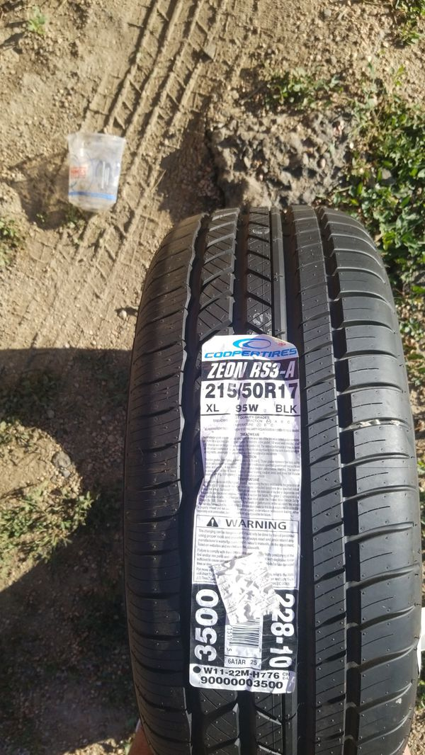 215 / 50 R17 Tire