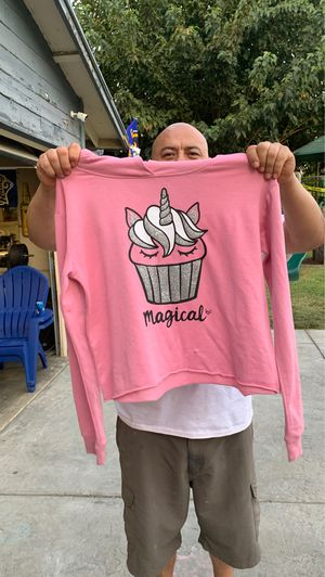 FREE magical sweater for Sale in Chino Hills, CA