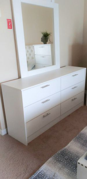 New white Dresser and mirror for Sale in Kissimmee, FL