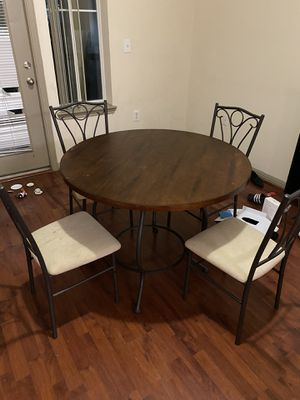 Table/ breakfast table w/ 4 chairs for Sale in Houston, TX