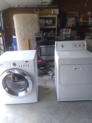 Frigidaire washer Kenmore dryer 280 for Sale in Lexington, SC