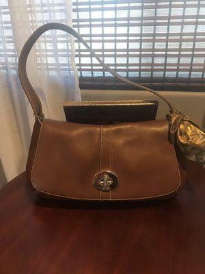 Coach shoulder purse for Sale in Whittier, CA