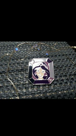 Disney hidden mickey pin jasmine gem cast member for Disneyland landyard for Sale in Glendale, AZ