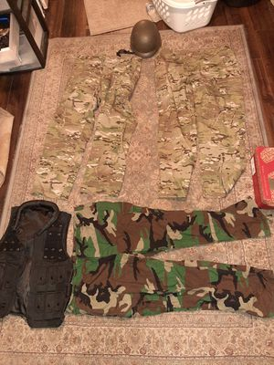 US ARMY multi cam pants and woodland camo pants & more for Sale in Chicago, IL