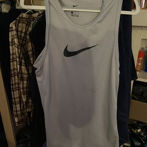 Nike Workout Tank Top for Sale in Chicago, IL