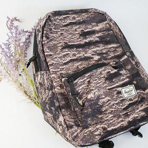 "13"" Laptop Herschel Backpack for Sale in Victorville, CA"