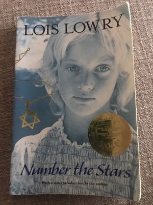 Book: Number the Stars by Lois Lowry, paperback for Sale in Miami, FL