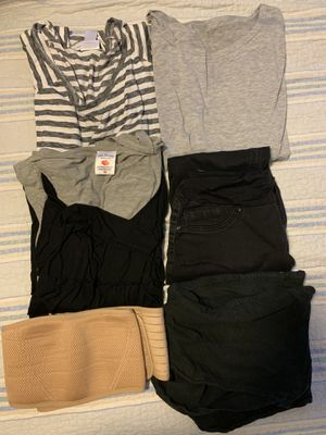 maternity clothes for Sale in Bellflower, CA