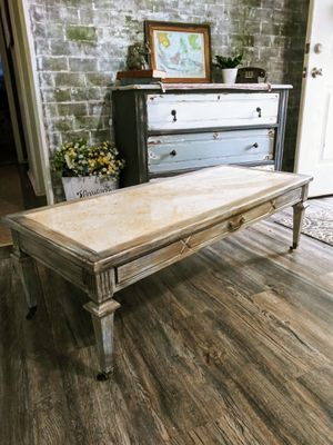 Antique Coffee Table on Wheels! Faux Marble Top! Many layers of distress! for Sale in Joliet, IL
