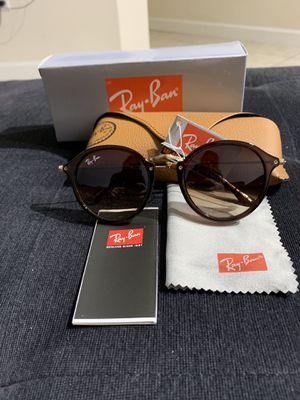 Sunglasses for Sale in Miami, FL