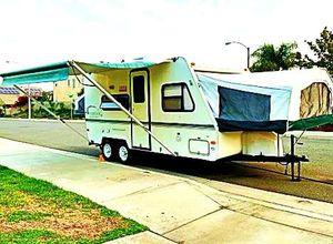 Price$1000 Camper Trailer for Sale in Chicago, IL