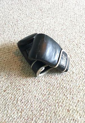 Black Everlast Boxing Gloves for Sale in Okolona, MS