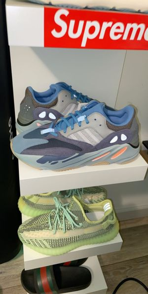 Yeezy 700 Carbon Blue for Sale in Colchester, VT