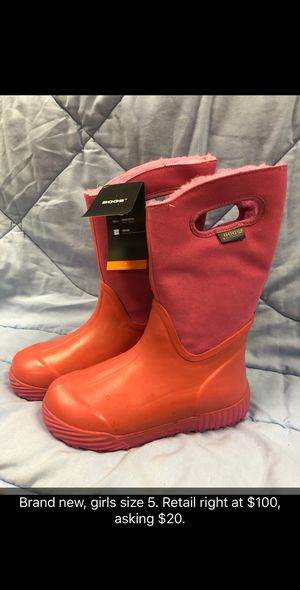 Bogs rain/snow boots for Sale in Raleigh, NC