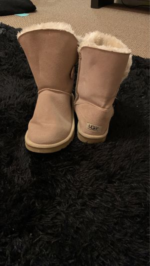 Light brown UGG boots for Sale in Glendale, AZ