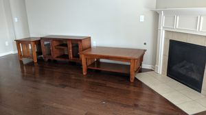 Combo Entertainment center side table and coffee table for Sale in Smyrna, TN