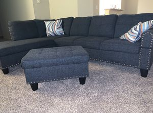 BRAND NEW BLUE/GREY LINEN 2 PC. SECTIONAL W/ CUP HOLDER, OTTOMAN STORAGE, & THROW PILLOWS for Sale in Federal Way, WA