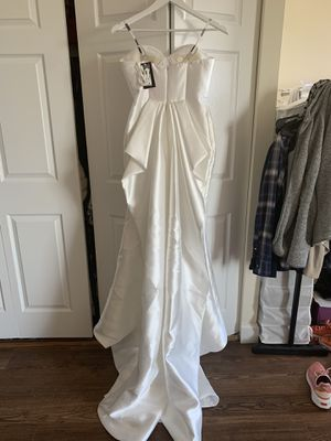 New Mermaid Wedding Dress - Never Worn! for Sale in New Haven, CT