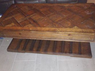 Coffee Table With lift Top for Sale in Hollywood,  FL