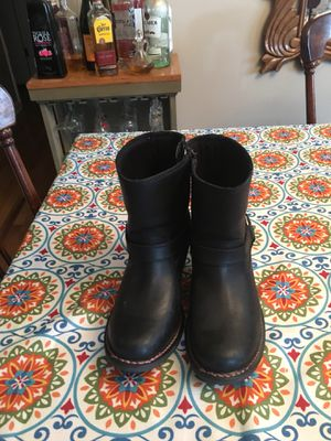Harley Davidson boots size7-1/2 worn twice they have pink stitching for Sale in Martinsburg, WV