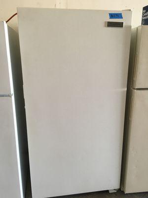 Frigidaire freezer for Sale in Modesto, CA