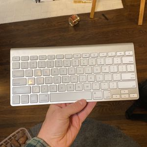 Apple Keyboard 1 Gen for Sale in Los Angeles, CA