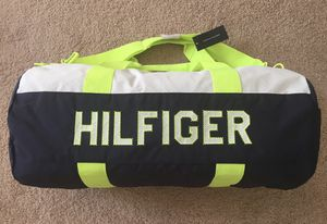 TOMMY HILFIGER WOMEN MEN BAG TH DUFFLE LARGE NAVY FLUO WHITE for Sale in Tamarac, FL