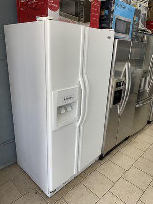 Whirlpool side by side refrigerator for Sale in Dearborn, MI