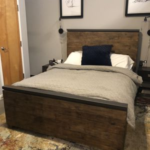 Queen Wood & Metal Industrial Bed for Sale in Atlanta, GA