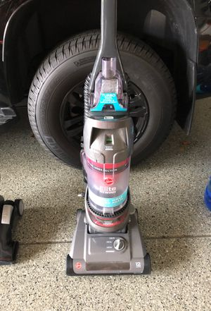 Vacuum Hoover elite bag less for Sale in Oswego, IL