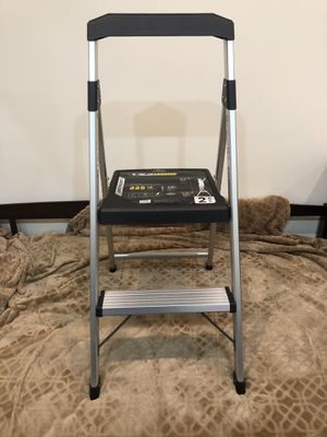 Gorilla ladder 225 lb capacity light weight 3ft for Sale in New York, NY