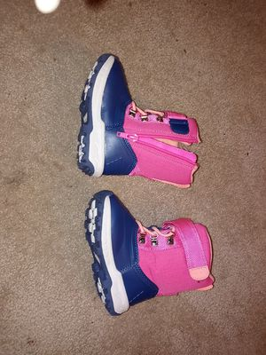 winter boots size 6 for Sale in Lebanon, PA
