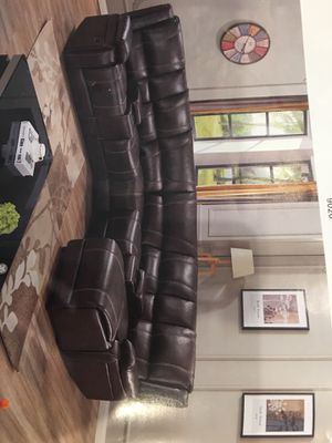 Recliner sectional for Sale in Houston, TX