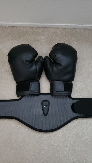 Weight Lifting Belt and Boxing Gloves for Sale in Bonita, CA