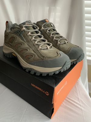 New Women's Merrell Radius Moss Trail Hiking Shoes SIZE 9 Medium for Sale in Kernersville, NC