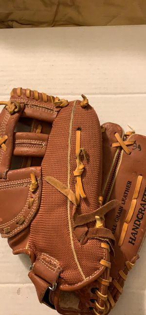 Macgregor handcrafted deep grip pocket Rawhide laced BBMESHLX Baseball Glove for Sale in Pittsburgh, PA