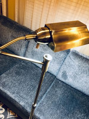 ⭐️New Bell+Howel Brass-tone swivel arm adjustable Floor Lamp. PICK UP BY ASHLAN AND TEMPERANCE IN CLOVIS. for Sale in Clovis, CA