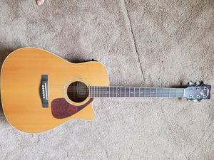 Yamaha guitar. for Sale in Whittier, CA