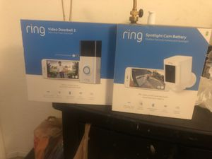 Selling a ring video doorbell 2 and a ring spotlight Cam Battery! for Sale in Goodyear, AZ