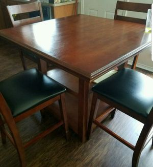 Breakfast Table w four chairs for Sale in Austin, TX