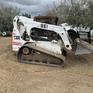 2005 Bobcat T300 for Sale in Moreno Valley, CA