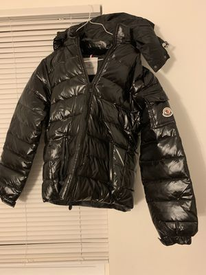 Moncler puffy coat women's for Sale in Adelphi, MD