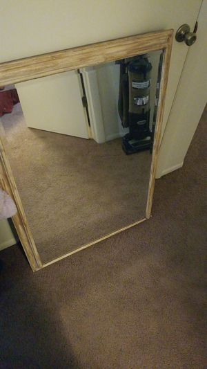 A large wall hanging mirror. for Sale in Kearns, UT